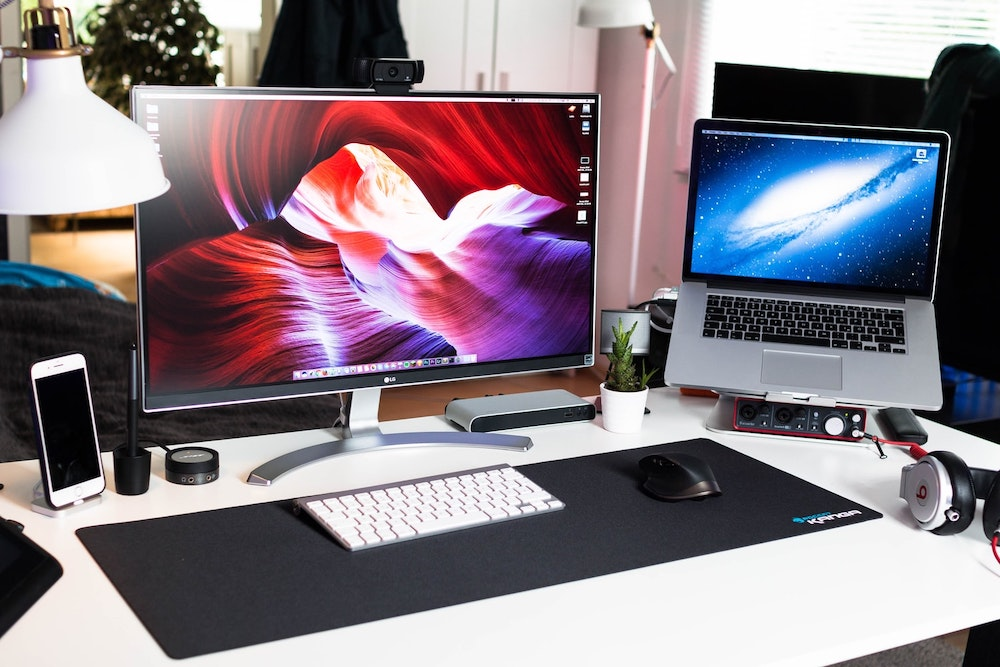 The 10 Best Computer Monitors For Your Home Office Or Desk